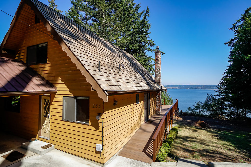 265 Harrington Rd Coupeville WA 98239 waterfront home